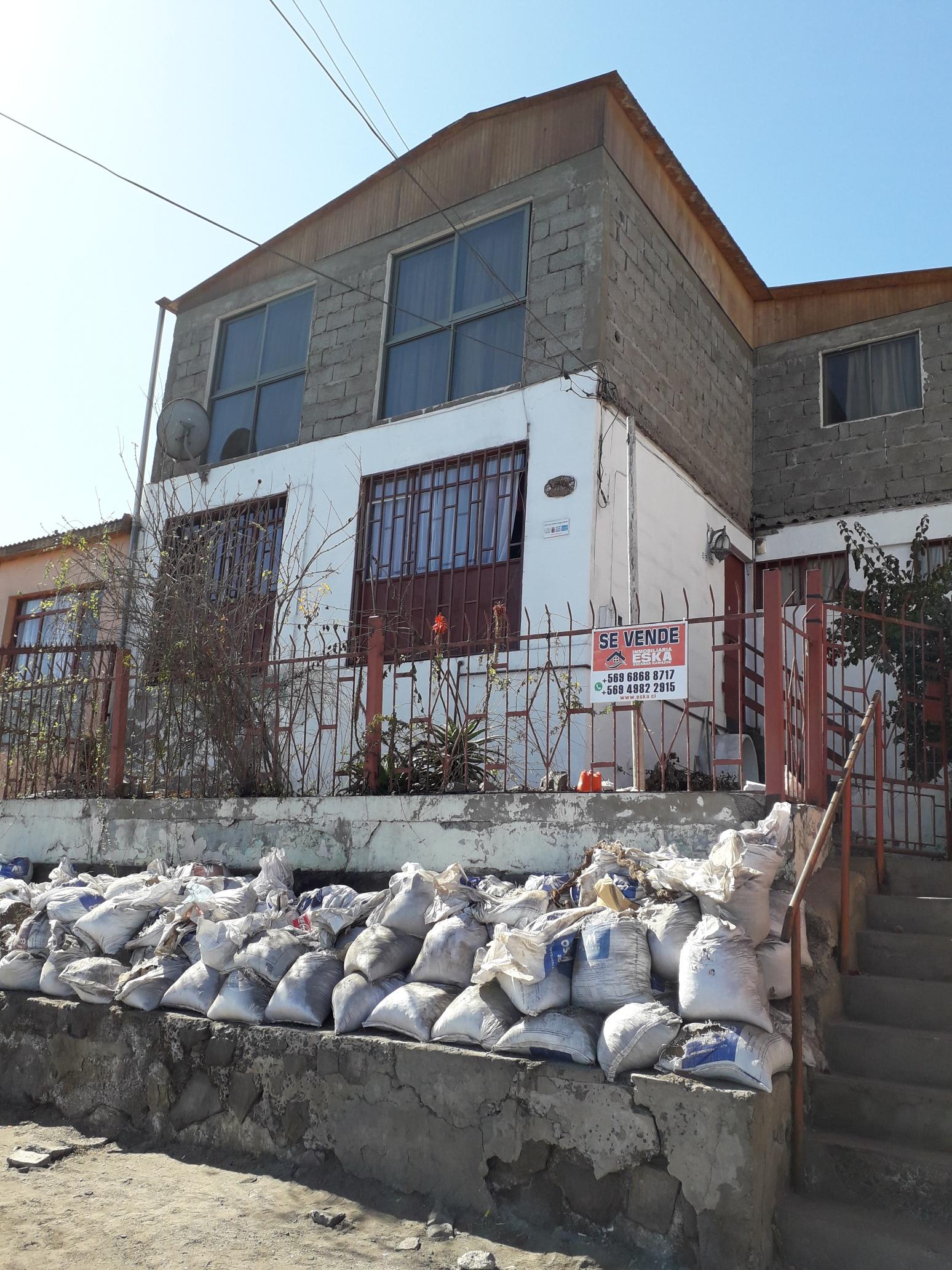 EsKa vende amplia casa de 180 m.2